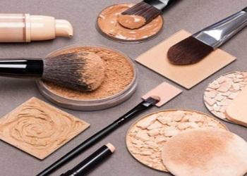 5 Urutan Memakai Make Up yang Benar Agar Wajah Putih