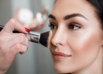 11 Cara Memakai Highlighter dan Blush On Agar Putih
