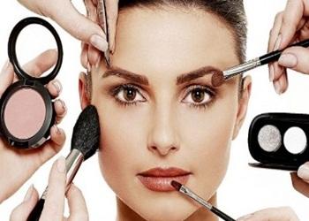 10 Cara Memakai Make Up Untuk Wajah Bulat
